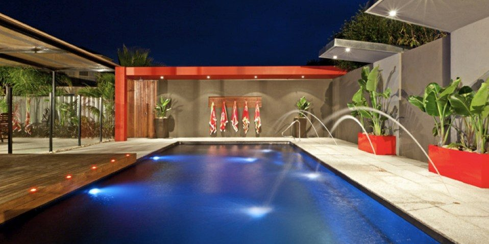 Top 3 Water Features for a Fibreglass Swimming Pool