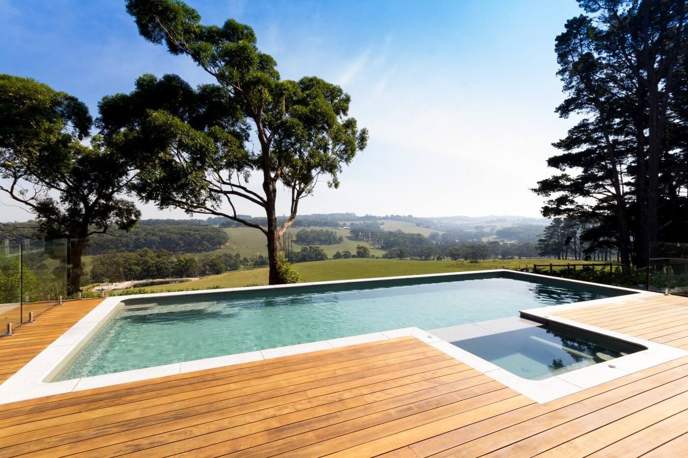Dreaming of an infinity pool compass pools melbourne for Pool designs victoria