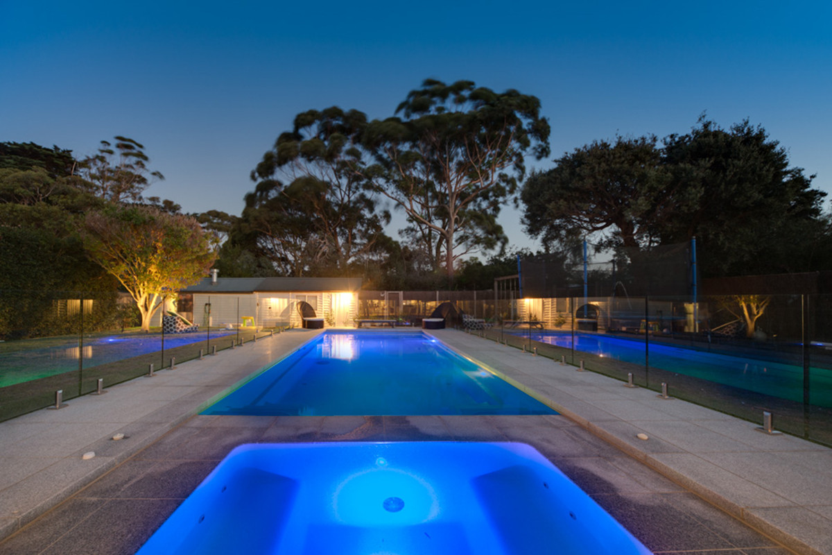 Compass Pools Melbourne Spas and pool and spa combination installation ideas cpm2016 Contemporary 05 2 1